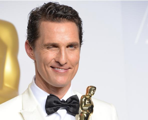 Matthew-mcconaughey-celebrates-in-the-press-room-after.jpg.CROP.promovar-mediumlarge