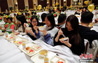 largest_breakfast_in_bed_China