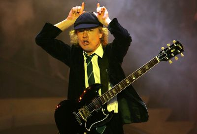 ACDC angus-young-1__400x272