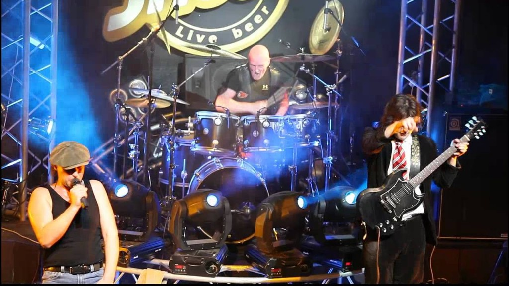 ACDC Chris Slade