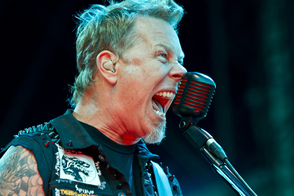 James-Hetfield-james-hetfield-30975468-2048-1365