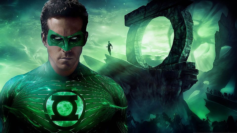 green-lantern-movie-deadpool-or-green-lantern-the-dc-and-marvel-ryan-reynolds-conundrum