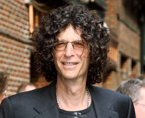 "NEW YORK - JUNE 08:  Howard Stern visits ""Late Show With David Letterman"" at Ed Sullivan Theater on June 8, 2009 in New York City.  (Photo by Soul Brother/Getty Images)   Original Filename: 88358990.jpg"