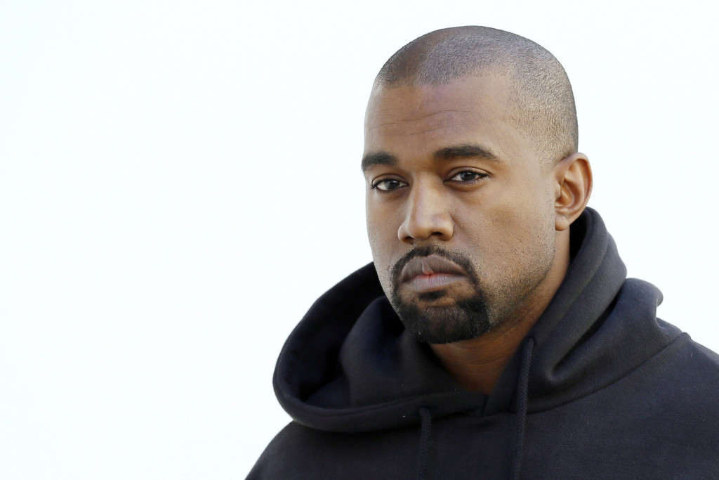 kanye-west-honorary-doctorate-art-institute-20150317