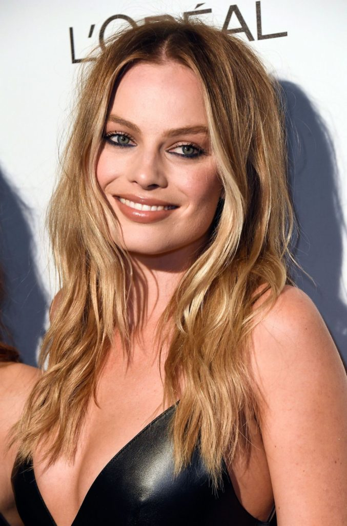 margot-robbie-marie-claire-s-image-maker-awards-in-west-hollywood-1-10-2017-6